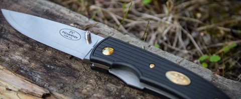 Folding knives